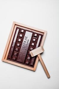 Chocolat-Alain-Ducasse-Bloc-chocolat-à-casser-@Pierre-Monetta-400x600
