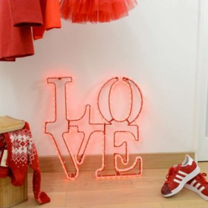 love-en-fil-lumiere-rouge-640x640